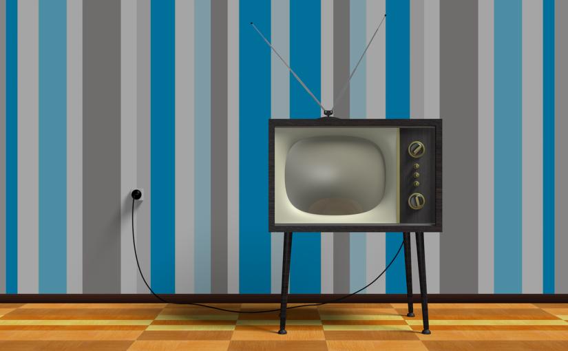 Samotny wypoczynek przed tv, czy też niedzielne serialowe popołudnie, umila nam czas wolny ,a także pozwala się zrelaksować.